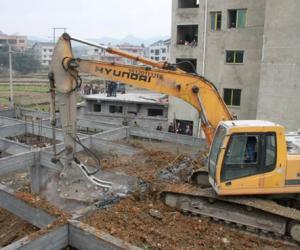 绥阳县以铁的决心和手腕严厉打击违法建筑